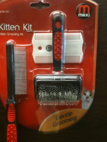 Mikki Kitten Grooming Kit .
