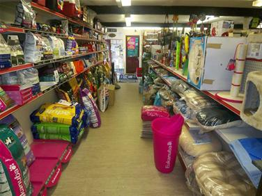 shop_upstairs_dog_food_isle